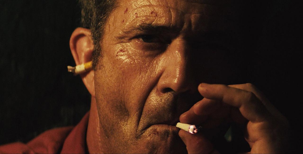 Get the Gringo - Mel Gibson smoking